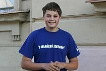 Osmnáctiletý student zdravotnického lycea ve Vyškově Jan Vrána působí u dobrovolných hasičů jako zdravotník. Zároveň trénuje děti a dorost na soutěže.