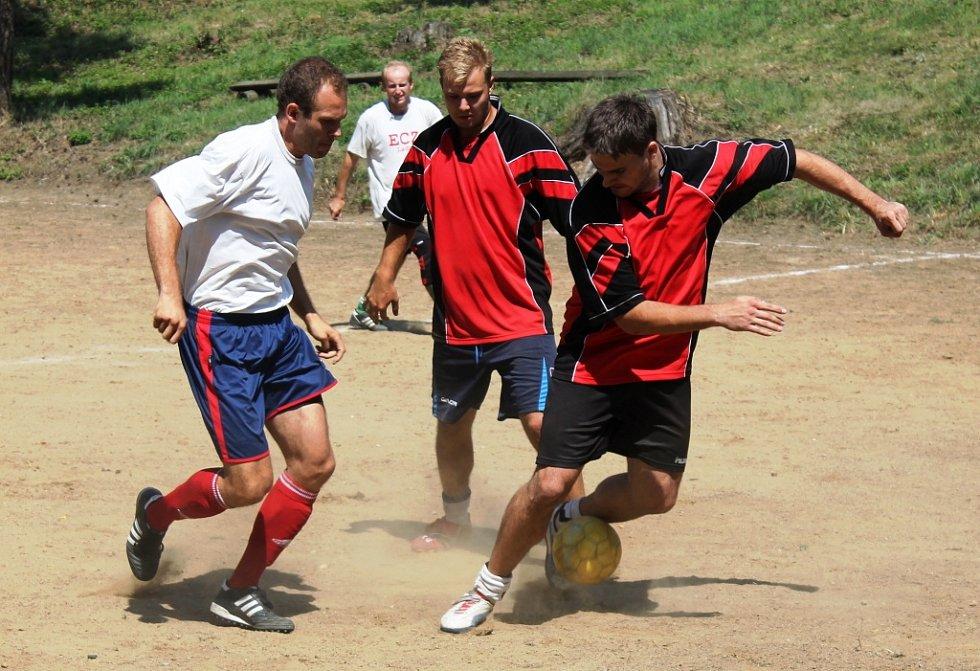 Ve finále turnaje v malé kopané Manerov cup porazil tým Corintians Zbýšov u Brna družstvo Chalupářů Brno 6:4.