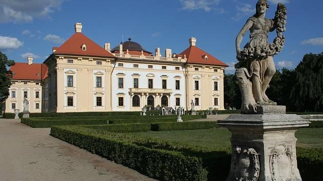Zámek ve Slavkově u Brna - ilustrační foto.