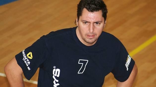 Trenér vedoucího celku II. ligy volejbalistů Sokola Bučovice Zbyněk Čížek.