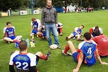 Nový trenér ragbistů Vyškova Martin Hudák uděluje pokyny v poločase mistrovského utkání se Spartou.