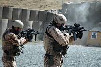 Poslední vojáci 10. jednotky českého Provinčního rekonstrukčního týmu přiletěli na americkou základnu Shank v afghánské provincii Lógar.