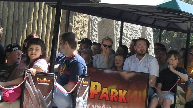 Zvláště děti si pochvalují jízdu Dino-vlakem