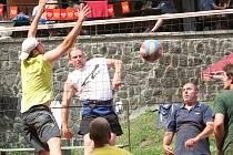 Na antukových kurtech u koupaliště U Libuše v Luči na Vyškovsku se hrál už sedmačtyřicátý ročník tradičního turnaje O pohár Lulče. Zvítězil účastník druhé ligy Sokol Bučovice.