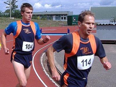 Vyškovští atleti Pavel Horák a Petr Balcar bojovali  o body na běžeckých disciplínách.