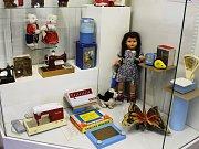 Starší generace můžou v bučovickém muzeu díky hračkám zavzpomínat na dětství. Děti je mohou obdivovat a navíc si v dílnčce vyrobit káču, nebo pohyblivého panáčka.