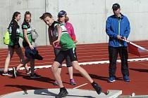 Sen několika generací slavkovských atletů se naplnil. V sobotu se tam poprvé závodilo na zbrusu novém atletickém stadionu, který splňuje ta nepřísnější kritéria.
