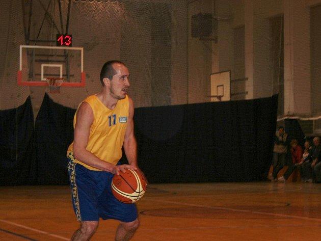 Basketbalisté Vyškova v utkání s Kuřimí.