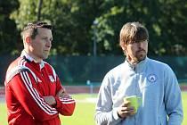 Jan Šimáček (zlevo), trenér fotbalistů Velkého Meziříčí, a Jan Trousil, trenér Vyškova.