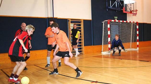 V hale Za Parkem si dalo dostaveníčko téměř celé futsalové Vyškovsko. Čtvrtý ročník Orel cupu odehrálo deset družstev.