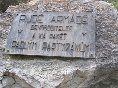 Památník partyzánského oddílu Olga v Nemochovicích.