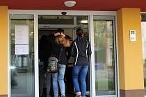 Ve vestibulu vyškovské školy Sochorova bude nově vrátnice. Vznikne pro zvýšení bezpečnosti žáků.