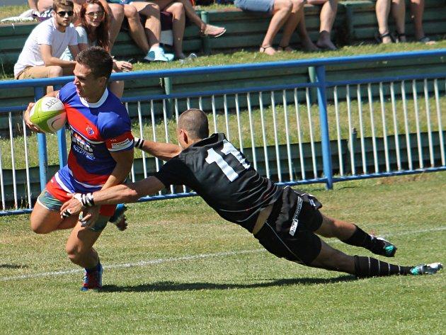 V prvním semifinálovém utkání play-off extraligy ragbistů porazil Jimi Vyškov Tatra Smíchov 39:33.
