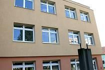 Do budovy bývalého Okresního stavebního podniku se mají údajně stěhovat Romové z Brna.