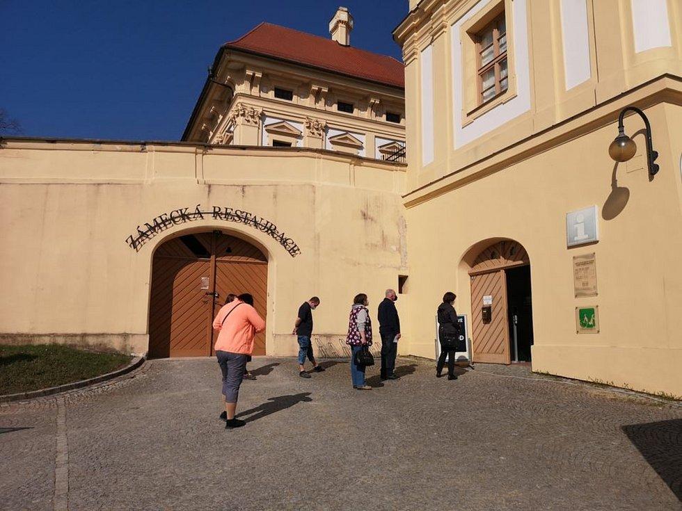 Testovací centrum ve Slavkově.