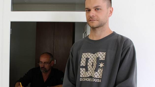 Hned dvojitý dozor nad bezpečím žáků zajišťují na Střední odborné škole a Středním odborném učilišti Sochorova ve Vyškově noví vrátní.