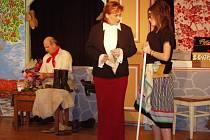 Na pódiu Besedního domu představí dnes divadelníci z Krásenska operetu Mé štěstí má zlaté vlasy.
