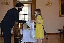Na Den dětí, v pondělí 1. června, zorganizovali na slavkovském zámku předávání cen výhercům výtvarné soutěže.
