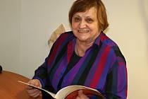 Bývalá ředitelka Nadace Tři Brány Libuše Procházková dnes působí v Klubu přátel Knihovny Karla Dvořáčka ve Vyškově.