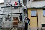 Práce na opravách mateřské školy v Medlovicích před více než rokem.