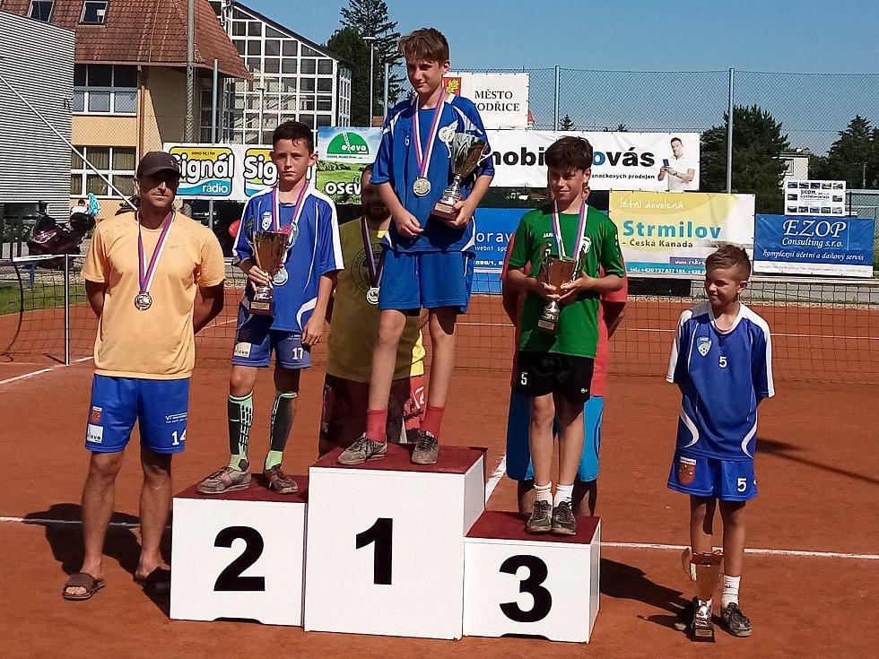 Desetiletý holubický nohejbalista František Dlabka získal v modřickém dresu další medaili na mistrovství republiky.