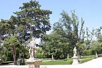 Zámecký park i historické aleje ve Slavkově u Brna.
