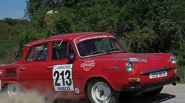 Všechny nadšenace motorismu čeká  o víkendu velká akce v podobě šestnáctého ročníku závodu Böttcher rally. Želízko do ohně přiloží také vyškovský jezdec Ondřej Výmola se svou Škodou 1000 MB.
