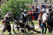Bučovice si na Městských slavnostech připomněly dávnou historii. Slavily 370. výročí obléhání zámku Švédy. Dominantu se předkům podařilo ubránit.