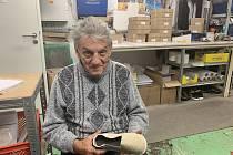 Boty do postele, které vyrobil Josef Hanák ze Snovídek budou testovat pacienti v nemocnici ve Vyškově.