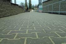 O skoro milion víc stály stavební práce u obchodního domu Moravan ve vyškovských Dědicích.