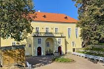 Hrad Svojanov na Svitavsku si mohou zájemci prohlédnou o víkendu 29. a 30. října při oživlých prohlídkách.