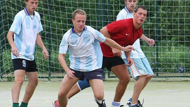Letní turnaje futsalistů mají na Vyškovsku už dobrou tradici. První z nich se hraje těsně po skončení mistrovské sezony v Bučovicích, následovat budou příští týden Kloboučky a  o čtrnáct dnů později  vyškovský letní Orel cup.
