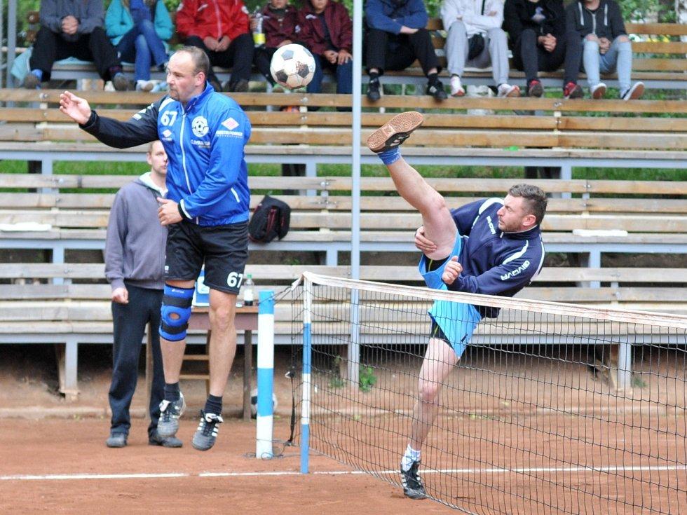 V úvodním utkání druhé poloviny druhé ligy nohejbalistů vyhrál R.U.M. Holubice nad Climaxem Vsetín B 6:3.