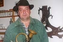 Pan Zaoral je orlovický trubač a myslivec.