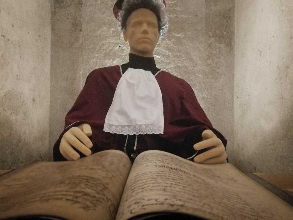 Slavkovský zámek v pondělí otevírá novou stálou expozici. Zaměřená bude na právo útrpné a vychází z příběhů skutečných Slavkovanů.