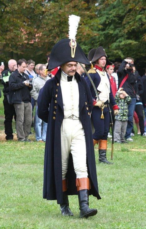Oslavy letošních Napoleonských dní zahrnovaly i rekonstrukci bitvy u ruského Borodina. Tam se setkala francouzská a ruská vojska.