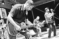 Funguje od roku 1990, jako Dark Gamballe pak kapela vystupuje 14 let.