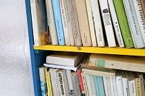 Nabídku knihobudky doplňují místní. Obec zájem překvapil.