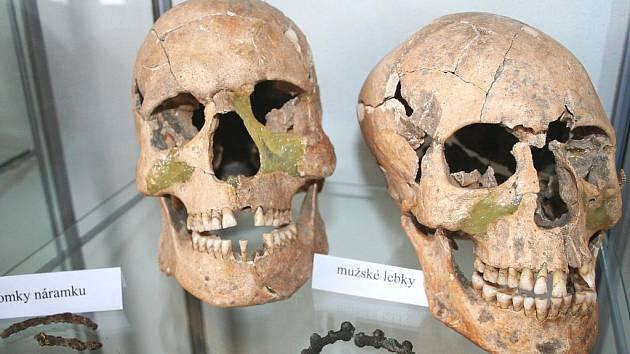 Archeologické nálezy odkryté při výstavbě rousínovského autobusového nádraží.