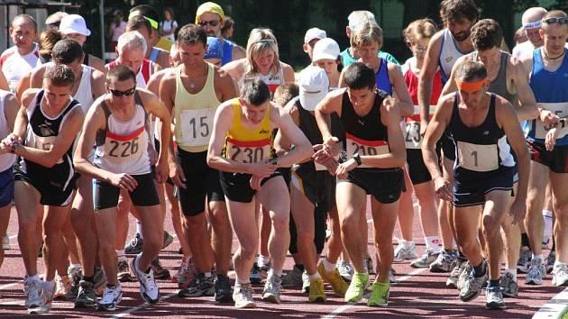 Vyškovský závod na deset kilometrů na dráze je součástí Dlouhé míle 2008.