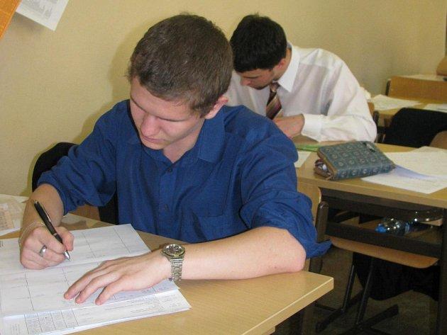 Vyškovským studentům začaly maturity.
