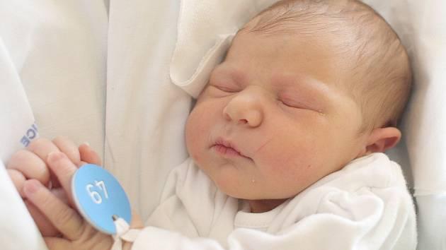 Valentýna Němcová, 49 cm, 3 720 g, 29. října 2017, Holubice, Fakultní nemocnice Brno