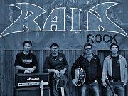 Rain hraje celovečerní zábavy a přes léto se s ní fanoušci setkávají i na menších festivalech. Nyní členové tráví čas ve zkušebně, kde se připravují na další sezonu. Plánují třeba koncert k 25. výročí, kam pozvali muzikanty, kteří kapelou prošli.