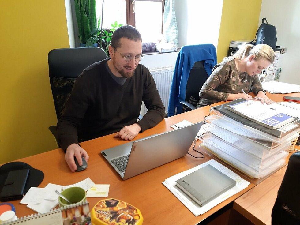 Petr Kvapil je vedoucí a sociální pracovník Pečovatelské služby Charity Vyškov.
