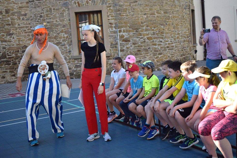 Atletické soustředění vyškovských Orlíků bylo ve znamení Asterixe a Obelixe.