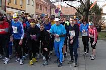 Běh Drahanskou vrchovinou se letos pokusí prolomit hranici jednoho sta účastníků. Na start loňského ročníku (na snímku) k tomu chyběli jen tři závodníci.
