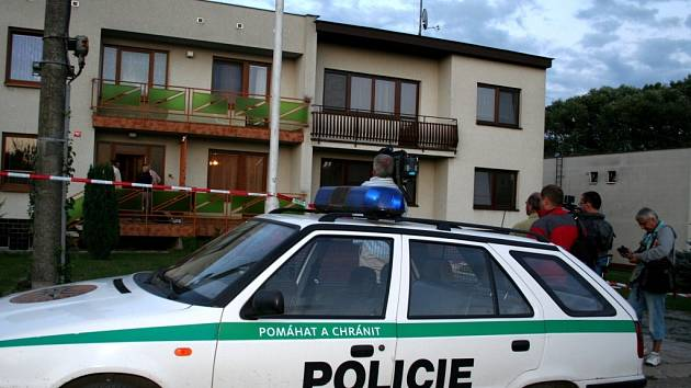 V Čechyni u Rousínova jsou tři zastřelení