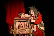 Herci z Divadla Bolka Polívky jsou každé léto ve slavkovském zámku již pravidelnými hosty.