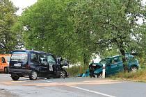 Nedaleko Křenovic se srazila dvě osobní auta. Nehoda se neobešla bez zraněných.