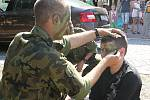 O víkendu proběhly ve Vyškově vojenské slavnosti. Lidé se mohli podívat například na parašutisty nebo si vyzkoušet množství nejrůznějších trenažérů.